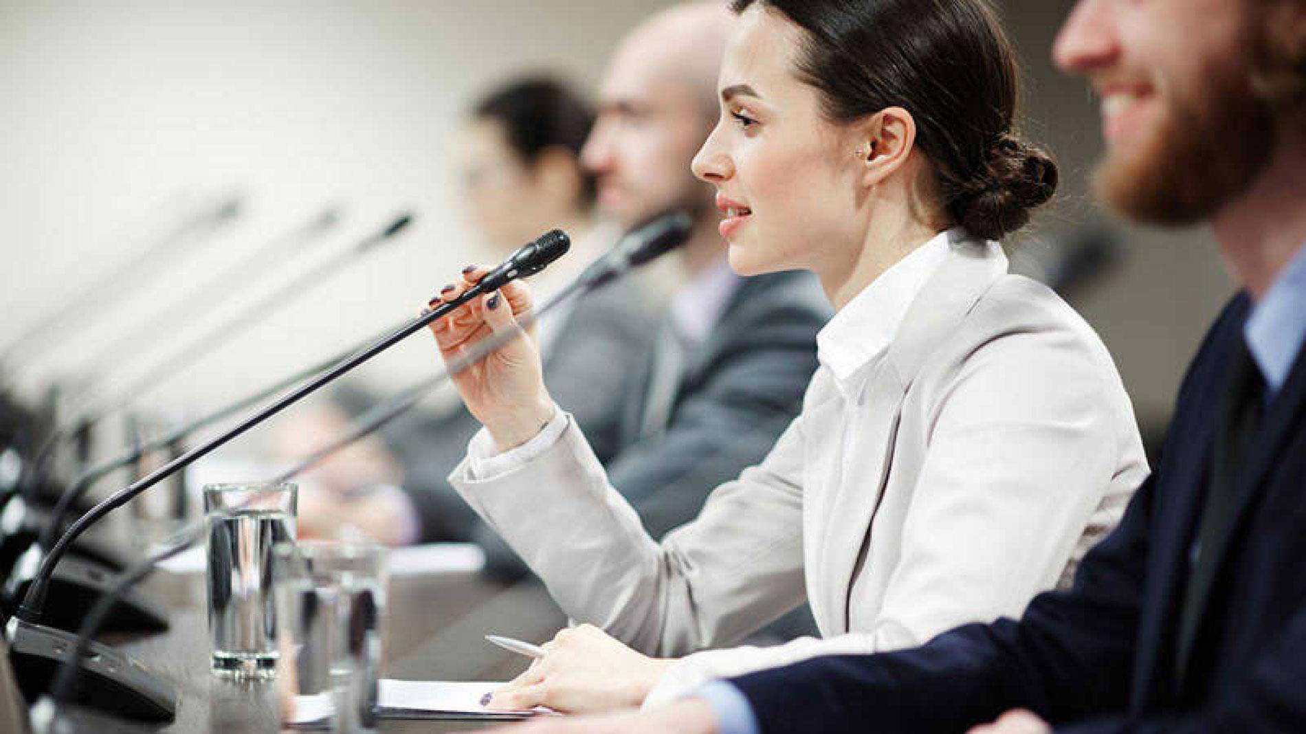 'No sin mujeres': el manifiesto que exige la presencia femenina en los actos académicos
