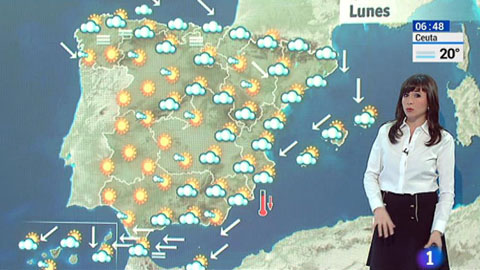 Nubes en el tercio norte peninsular, sol en el resto y Levante en el Estrecho