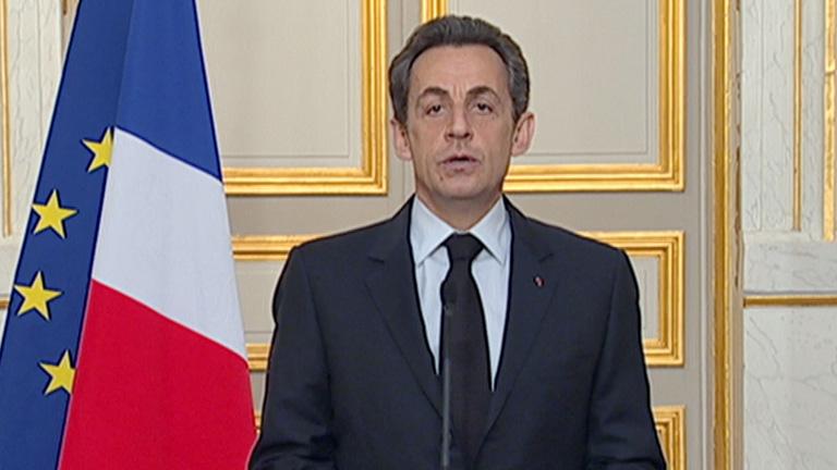 Sarkozy asegura el cambio de la ley para penalizar a quien exalte la violencia a través de Internet