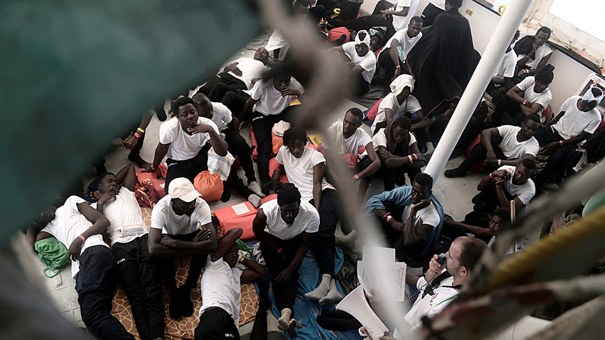 La odisea de los 630 inmigrantes del Aquarius, rescatados del mar frente a las costas de Libia