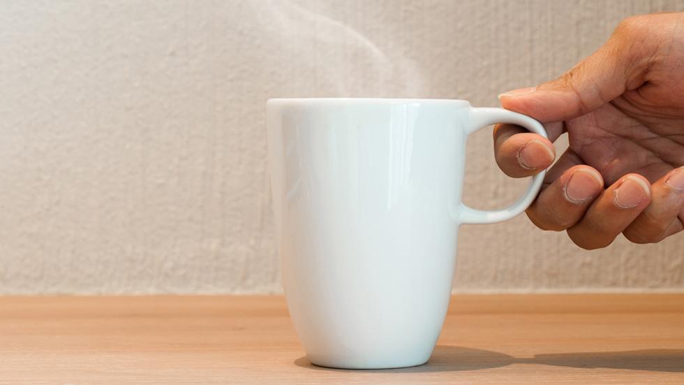 La OMS alerta de que ingerir bebidas demasiado calientes aumenta el riesgo de desarrollar cáncer de esófago