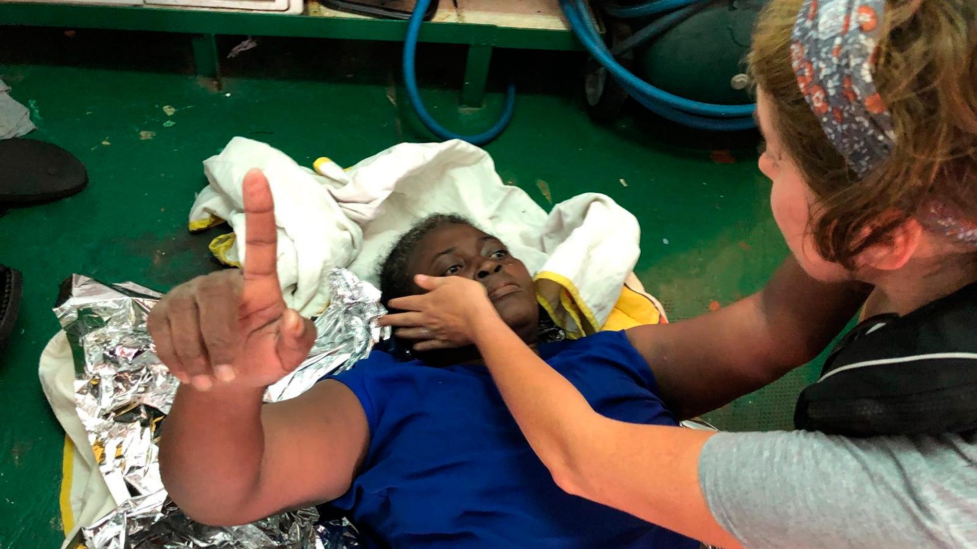 El Open Arms navega rumbo a Palma para desembarcar a la migrante rescatada en el Mediterráneo