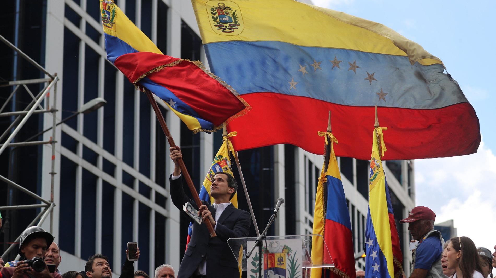 La oposición venezolana vuelve a las calles en una multitudinaria protesta antichavista