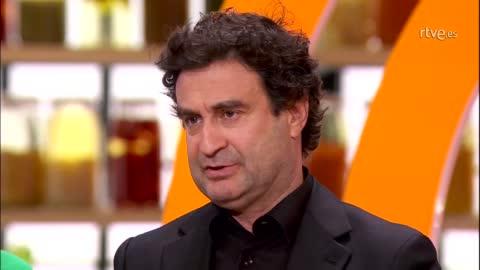 Óscar Higares cuelga el delantal entre lágrimas