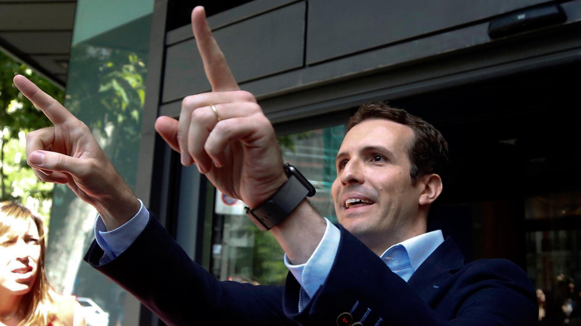 Pablo Casado se apunta a la carrera por presidir el PP, a la espera de Cospedal