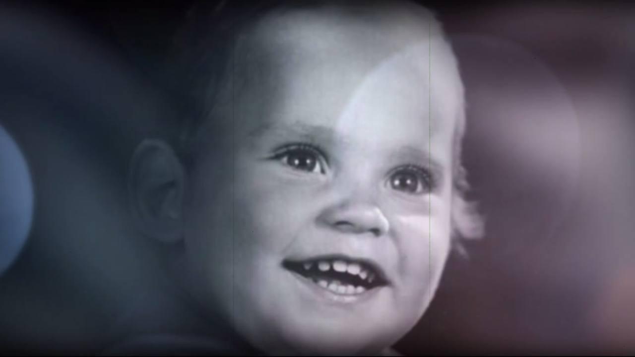 Paco León cuando era un bebé