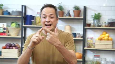 Torres en la cocina - Pan sorpresa y vichyssoise de castañas