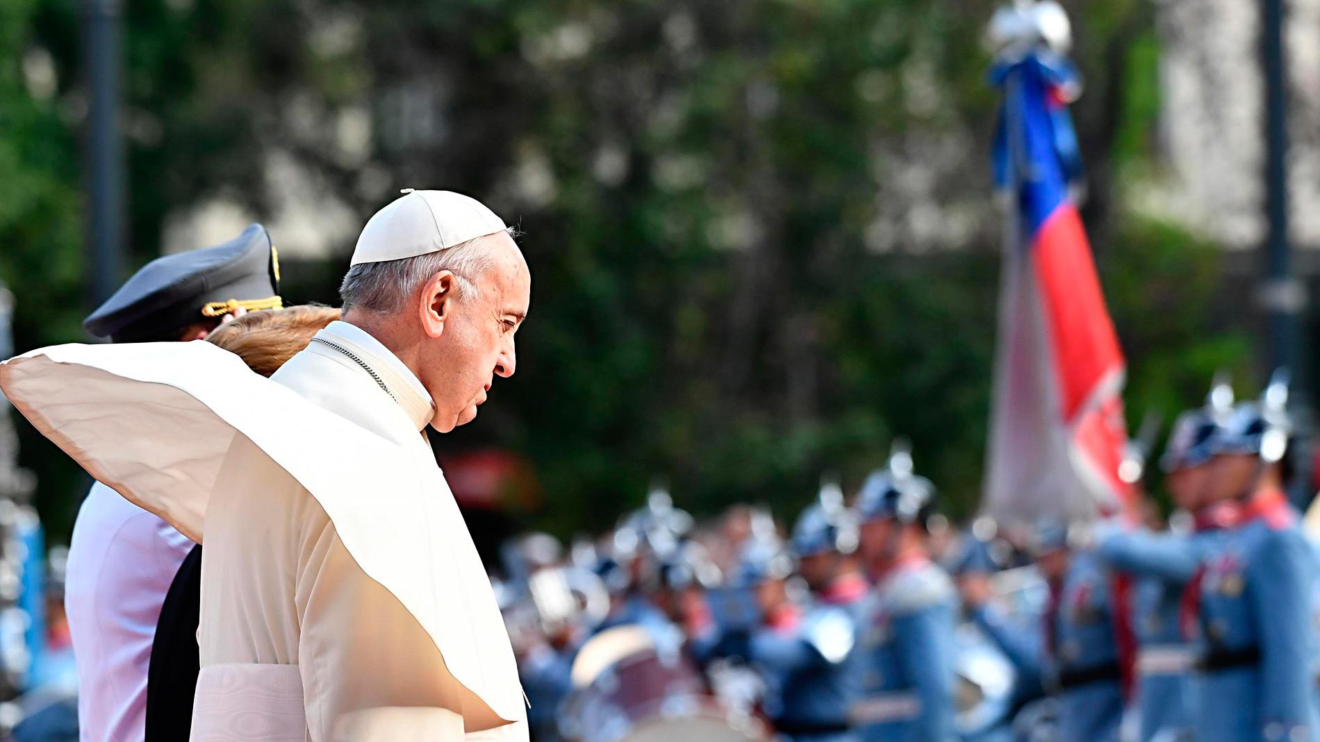 El papa pide perdón por los abusos sexuales de sacerdotes a menores en Chile