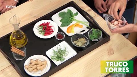 Trucos de cocina - Para qué sirven los aceites aromáticos