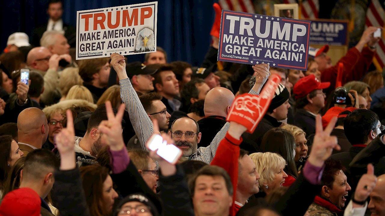 Partidarios de Donald Trump celebran su victoria en Manchester, New Hampshire. Joe Raedle/Getty Images/AFP
