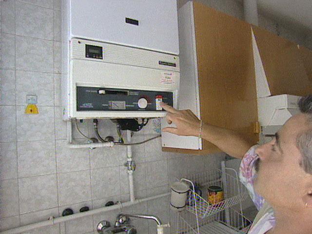 El precio medio de la vivienda nueva cae un 0 8 en el - Cocinas santos ourense ...
