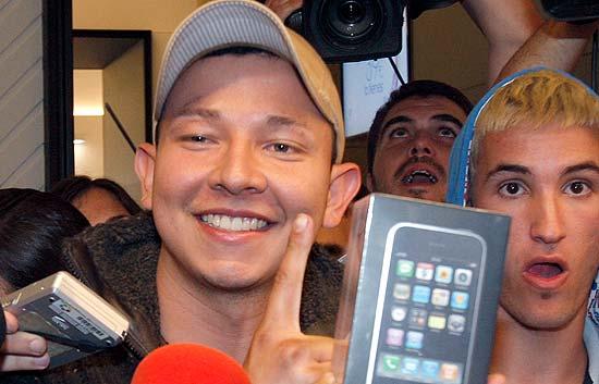 Llega el iPhone a España con gran expectación