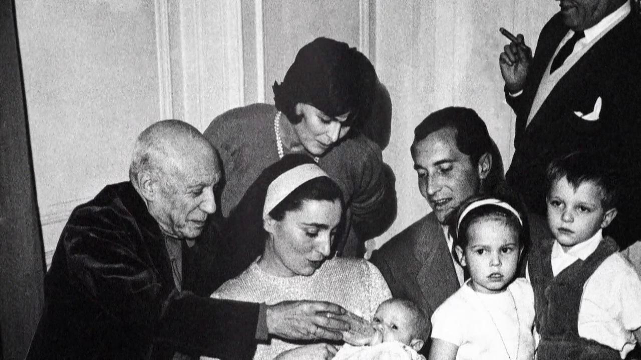 """Lazos de sangre - Boris Izaguirre sobre el clan Bosé Dominguín: """"Son historia viva"""""""