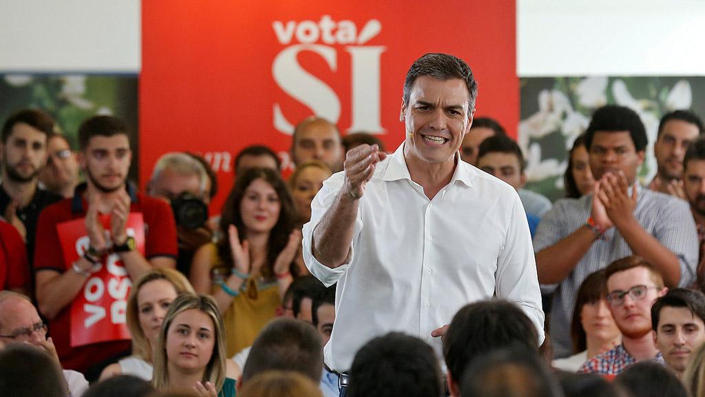 """Pedro Sánchez le pide a Pablo Iglesias """"más respeto"""" al Partido Comunista"""