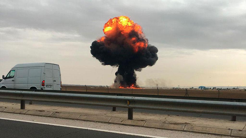 Un piloto del Ejército del Aire muere al estrellarse su avión F18 en la base aérea de Torrejón