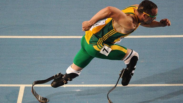 Pistorius, primer atleta olímpico con prótesis