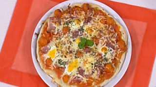 Cocina con Sergio - Pizza a los cuatro quesos con huevos de codorniz