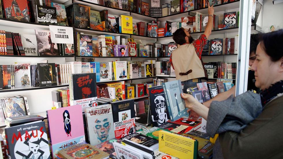 Portadas para todos los gustos en la Feria del Libro de Madrid