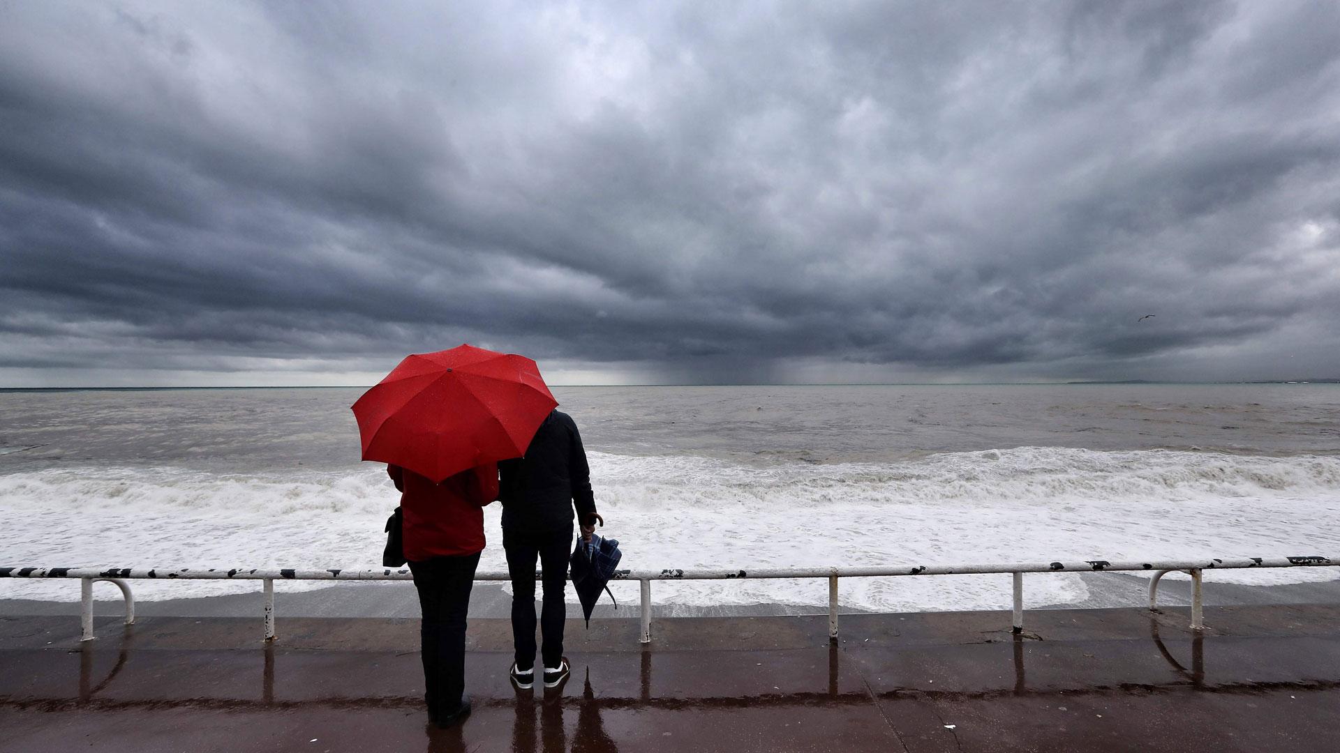 Precipitaciones localmente fuertes en Levante y Baleares
