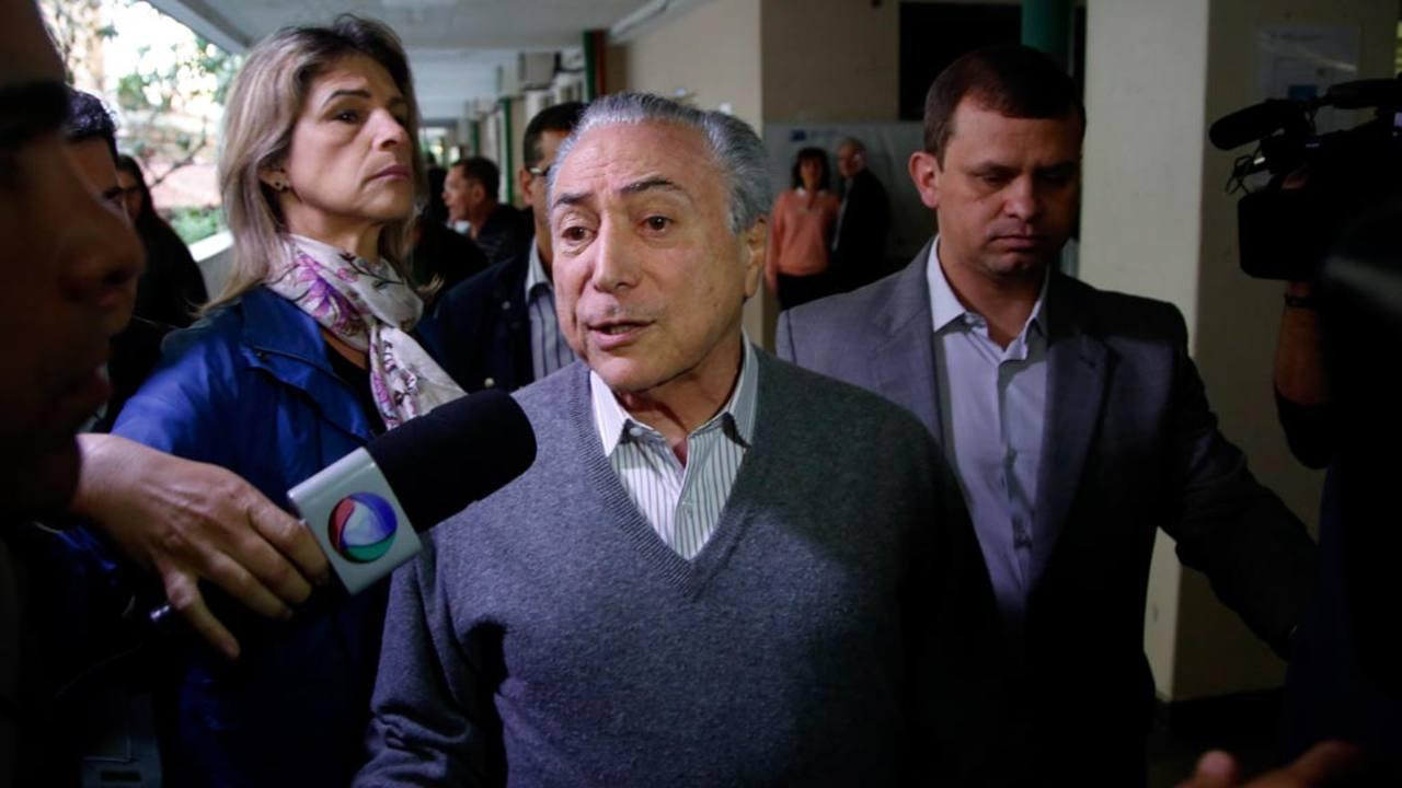 El presidente brasileño, Michel Temer, tras votar este domingo