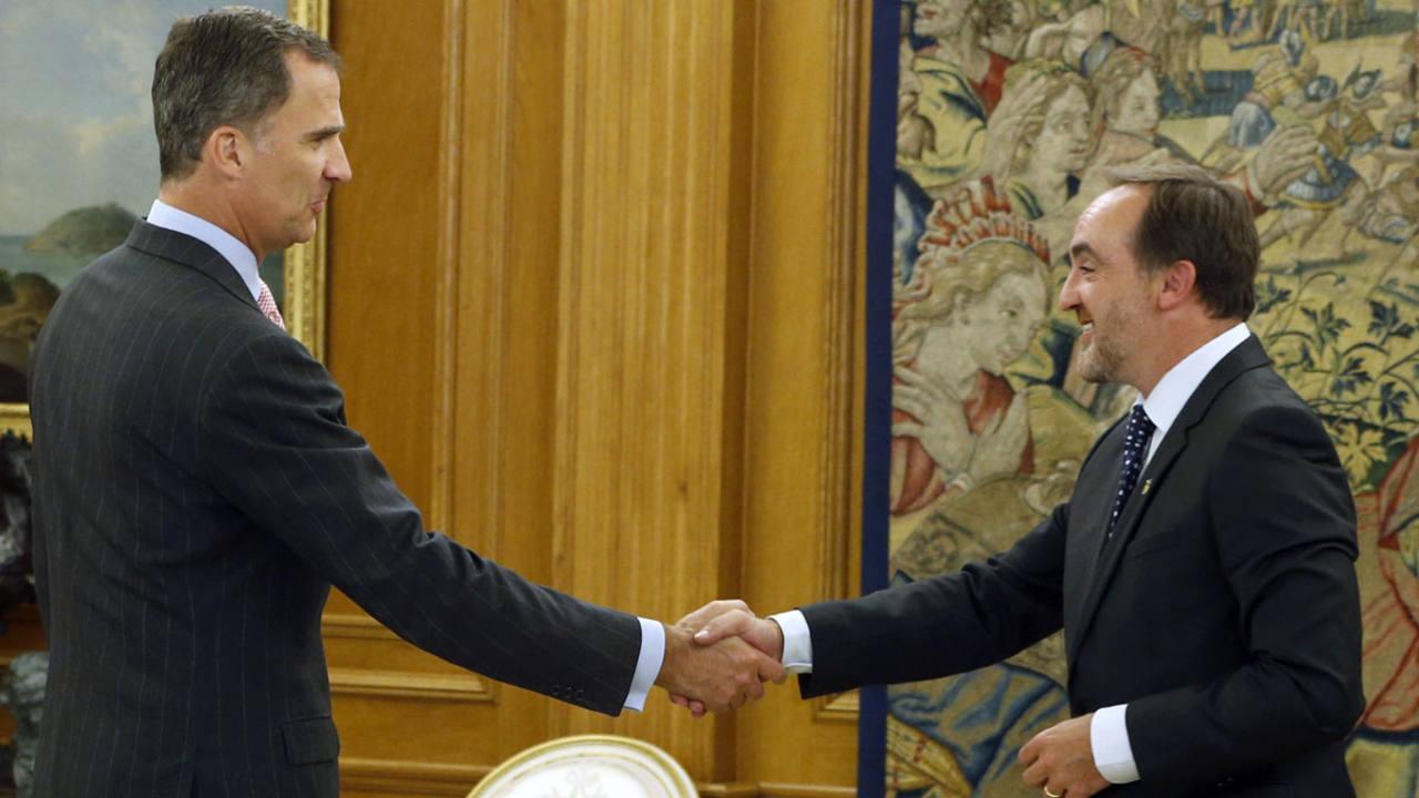El presidente de UPN, Javier Esparza, recibido por el rey en la cuarta ronda de consultas este martes 26 de julio de 2016