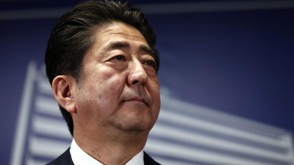 El primer ministro Shinzo Abe gana las elecciones por mayoría absoluta en Japón