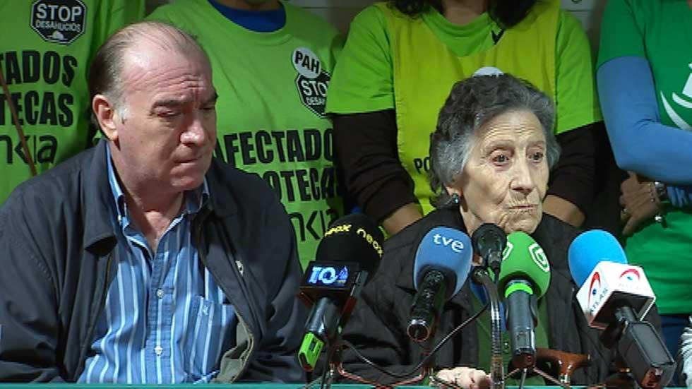 """La mujer de 85 años desahuciada: """"Me han destrozado"""""""