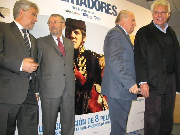 El productor de Wanda Films, José María Morales y el Presidente de RTVE, Alberto Oliart (izq a dcha)