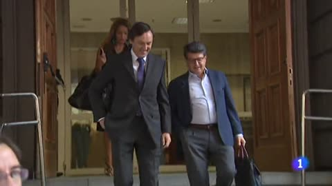 El PSOE insta a Casado a dimitir después de que Rivera exigiera publicar la tesis de Sánchez