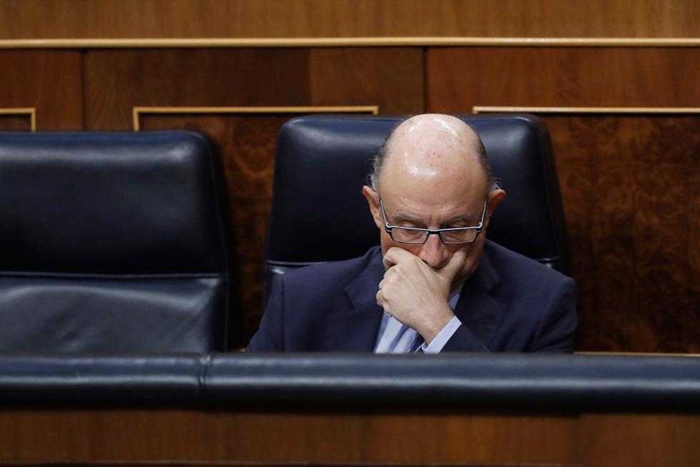 PSOE y Podemos piden la dimisión de Montoro