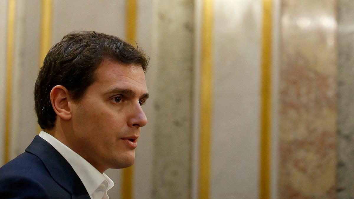 El PSOE propone a Cs que apoye a Gabilondo como candidato y Rivera se niega