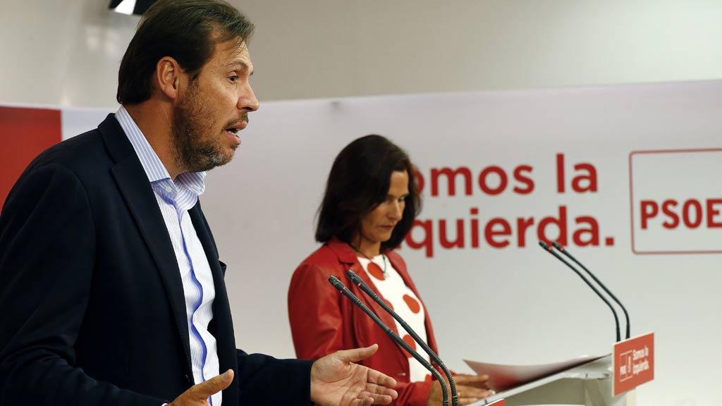 El PSOE rebaja su rechazo a la aplicación del artículo 155 para evitar el referéndum de Cataluña