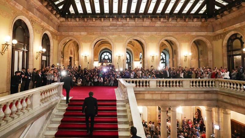Puigdemont llega al Parlament de Cataluña.