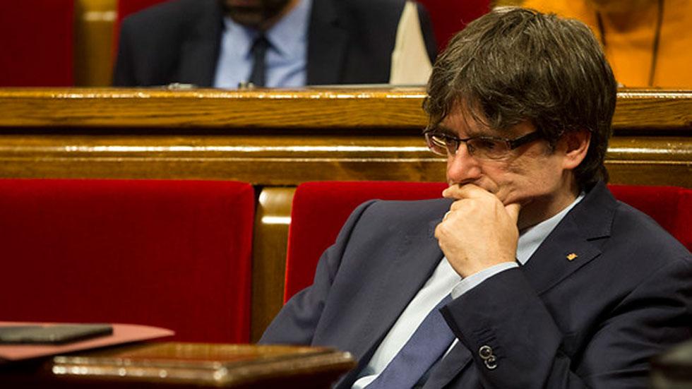 Puigdemont quiere abrir una bolsa de voluntarios para el referéndum