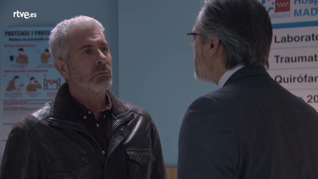 Servir y proteger - Quintero visita a Alicia en el hospital