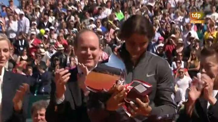 Rafa Nadal alza su octavo trofeo de Montecarlo