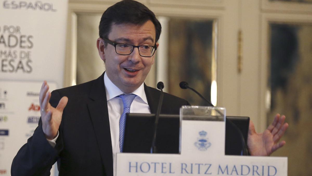 Rajoy nombra a Román Escolano como nuevo ministro de Economía en sustitución de Guindos