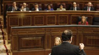 """Rajoy reprocha a Sánchez que quiera """"cargarse"""" el artículo 135 de la Constitución"""
