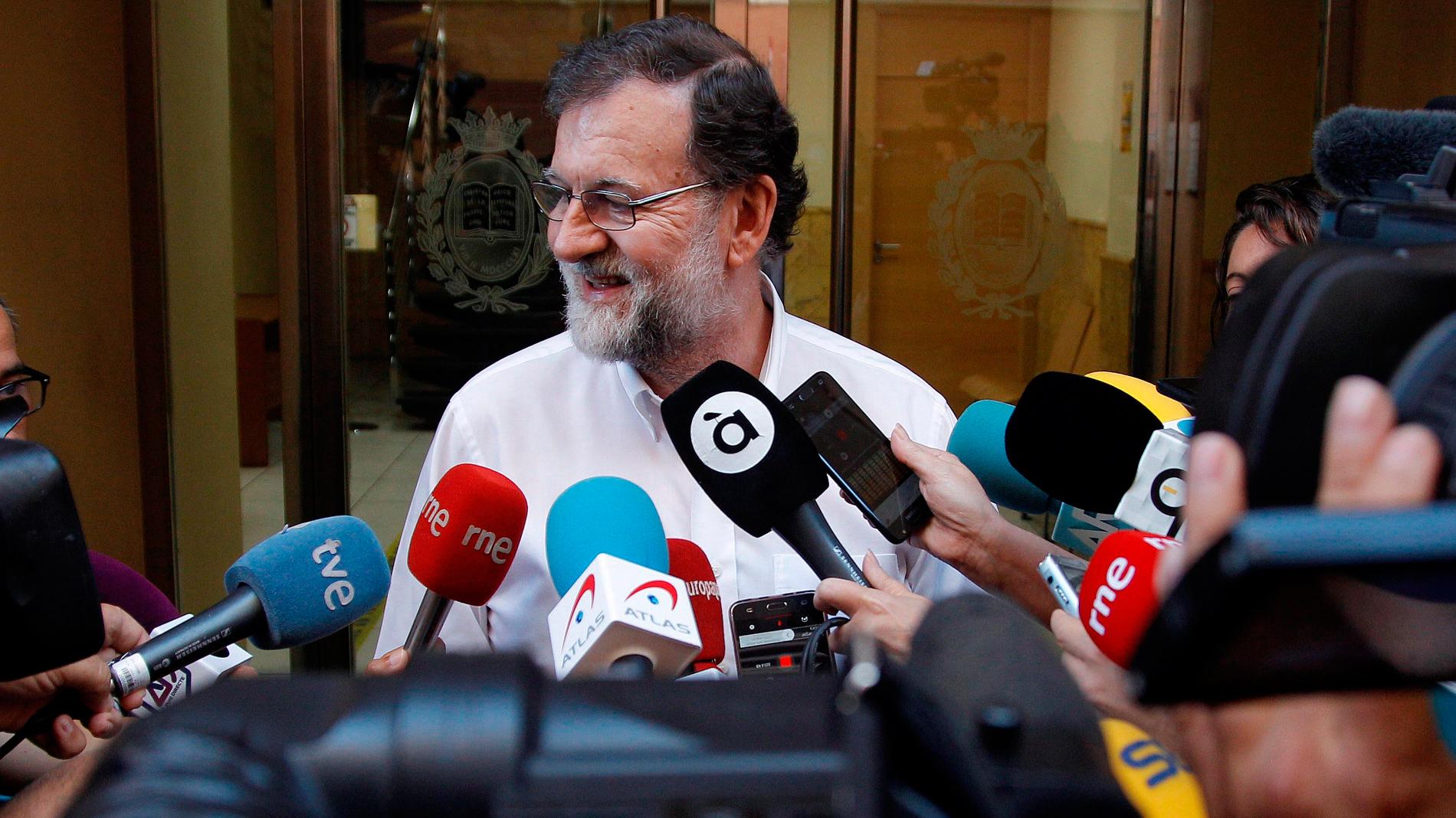 Rajoy se reincorpora a su puesto de registrador tras abandonar la política