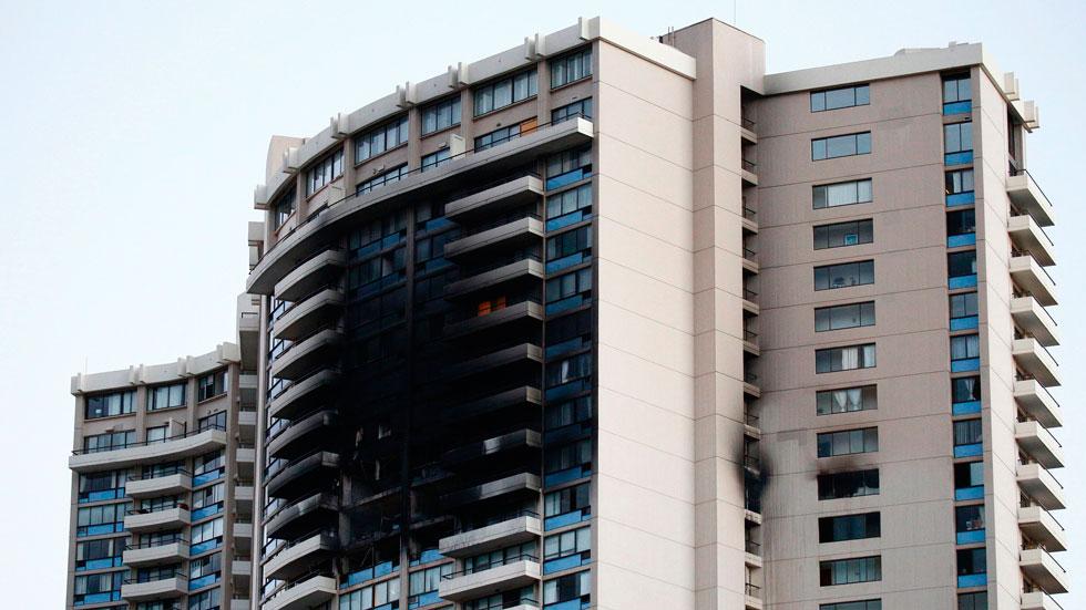 El rascacielos Marco Polo ha ardido esta madrugada en Honolulu (Hawái)