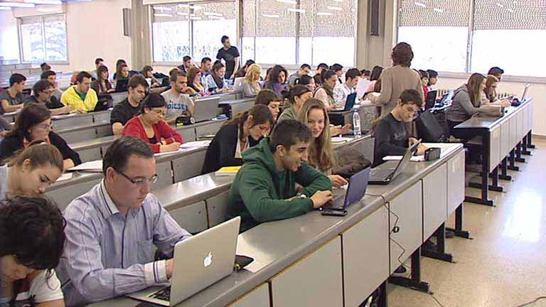 Las asociaciones de estudiantes anuncian movilizaciones ante la subida de tasas