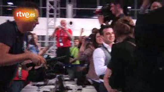 Las reacciones de Ell y Niki (Azerbaiyán) tras conocer que han ganado Eurovisión 2011