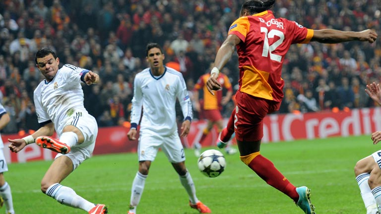 Champions League | Galatasaray 3-2 Real Madrid | Un dubitativo Madrid se complica la vida en ...