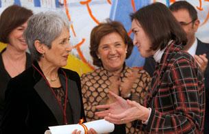 Joan Baez recibe la Orden de las Artes y Letras de España