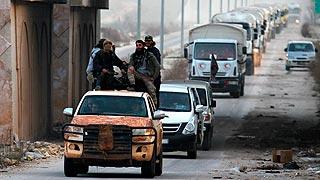El régimen sirio permite que varios convoyes de ayuda humanitaria lleguen a zonas rebeldes asediadas