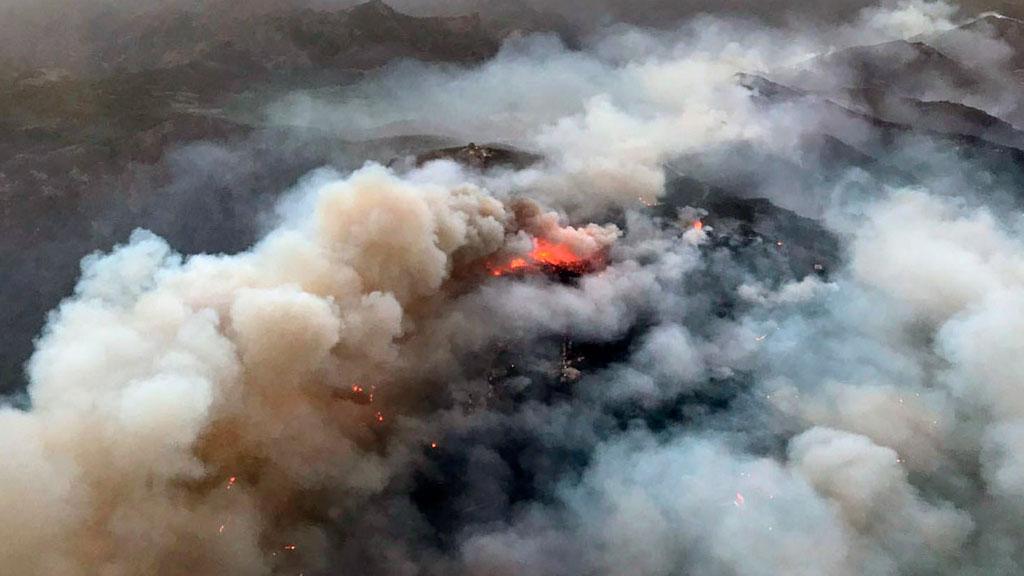 Regresan a sus casas parte de los 800 evacuados por el incendio de Gran Canaria que ha calcinado 2.000 hectáreas