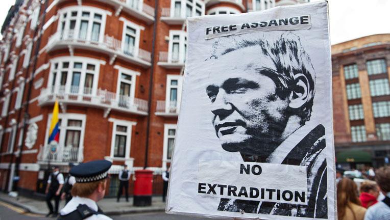 Reino Unido no dejará que Assange salga del país