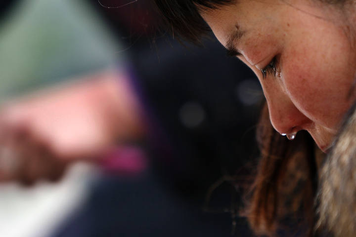 http://www.rtve.es/imagenes/relative-of-earthquake-victims-mourns-at-the-ruins-of-earthquake-hit-beichuan-county-in-sichuan-province/1280225514324.jpg