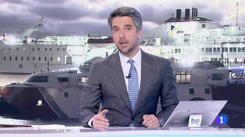 Rescatan a tres personas tras caer al agua en Gran Canaria por el choque de su embarcación con un ferri
