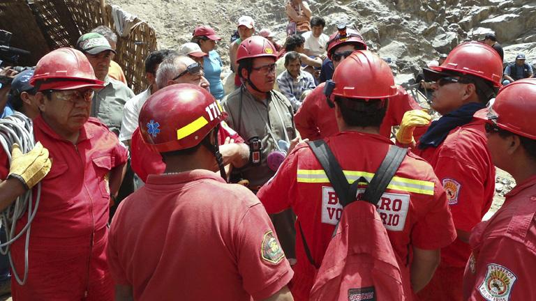 El Gobierno peruano pide ayuda  de expertos para el rescate de sus mineros